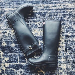 Tall black classic matte hunter wellie rain boots